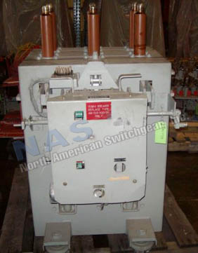 General Electric AM13.8-500-5HB Magne Blast circuit breaker pictured.