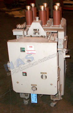 General Electric AM4.16-250-7C Magne Blast circuit breaker pictured.