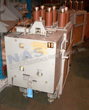 General Electric AM4.16-250-8H Magne Blast circuit breaker pictured.