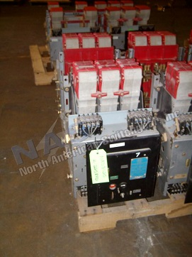 BBC K-225 circuit breaker pictured.  Available electrically or manually operated; stationary or drawout.
