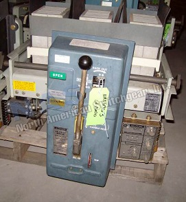 Siemens LA-1600 circuit breaker pictured.  Manually or electrically operated; as-is or reconditioned; stationary or drawout.
